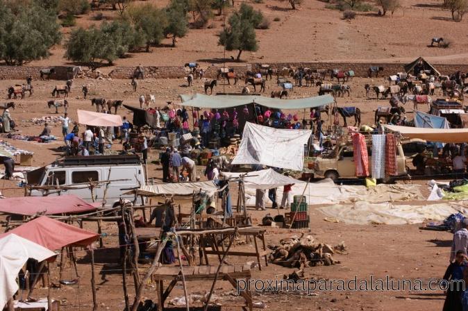 Mercado bereber que entramos en el camino.